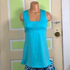 36B ATHLETA TOP SLEEVELESS WITH FULL BRA